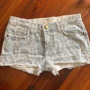 Current/Elliot boyfriend shorts in lace/crochet 25